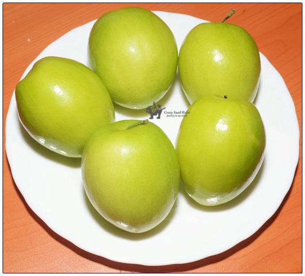 달걀만한 크기의 인도 대추 Indian Jujube