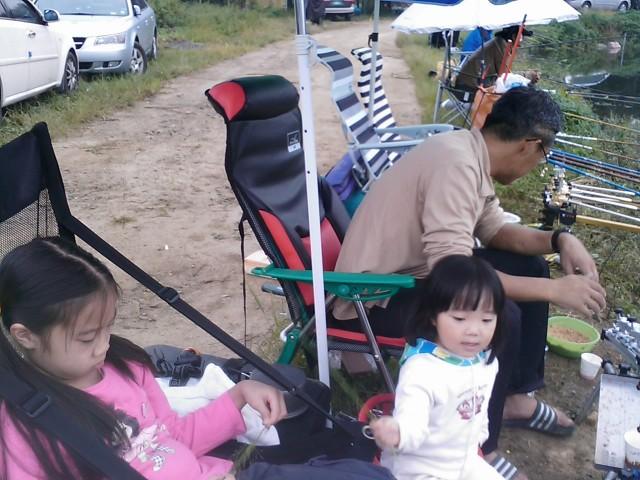 사암지 잉어 겨우 한마리 (2010년 10월 30일)