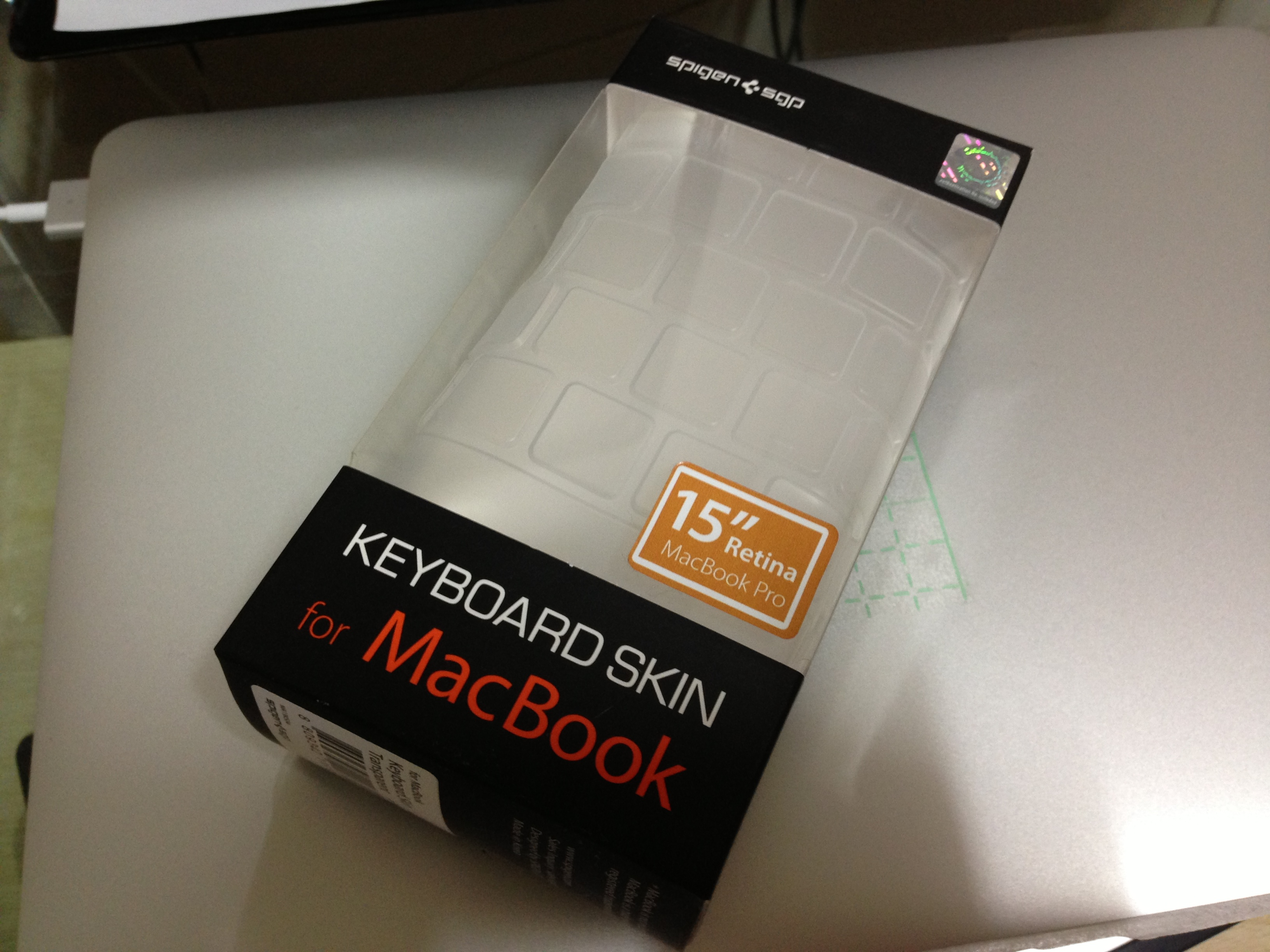 애플 맥북 프로 레티나 SGP 키스킨 구입