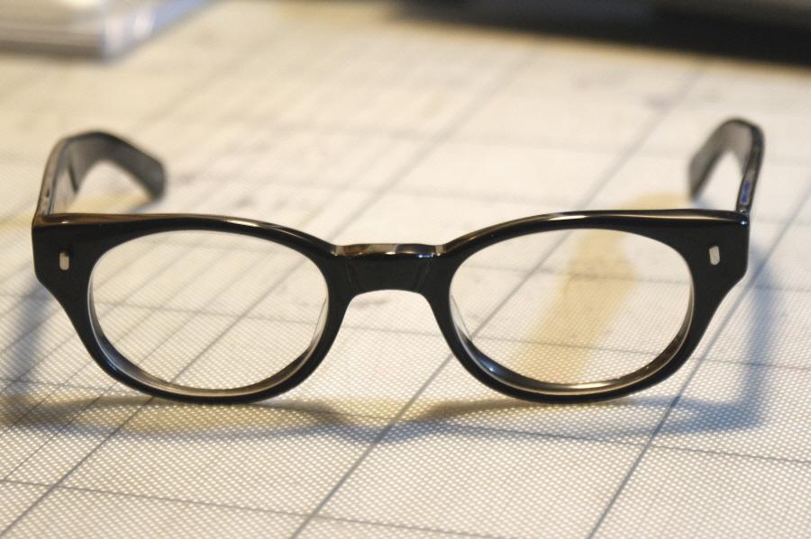 오래된 안경의 수리