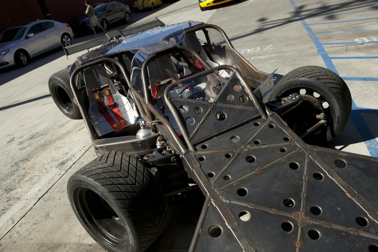 """""""분노의 질주 6""""에 나오는 자동차들이라고 합니다."""