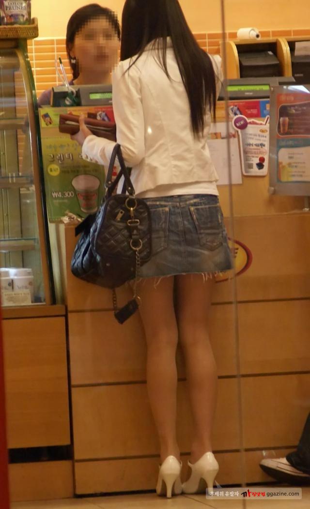 デニムのミニスカート大好き人間集合9 [無断転載禁止]©bbspink.comYouTube動画>5本 ->画像>922枚