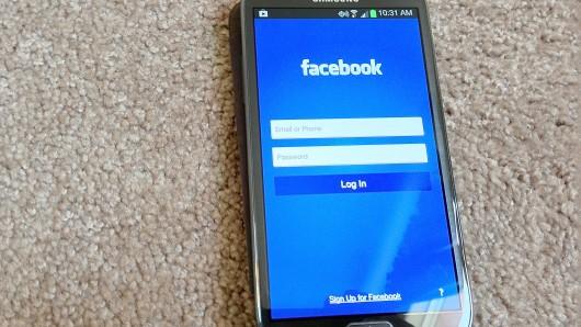 페이스북폰, 이번엔 진짜로 나온다?