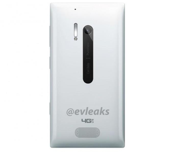 Lumia 928 White는 후면에 스피커가 달린다?!