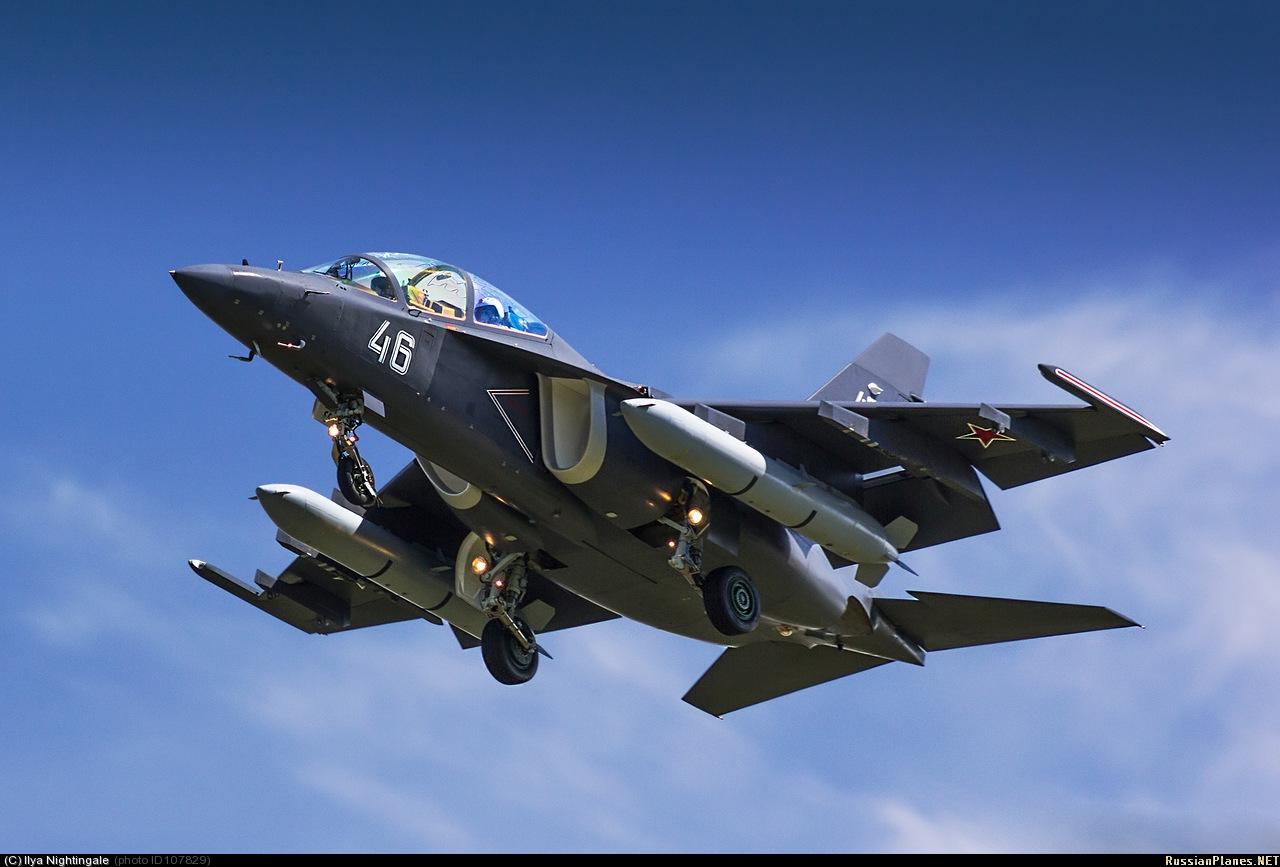 2013년에도 나오는 근성의 Yak-130!