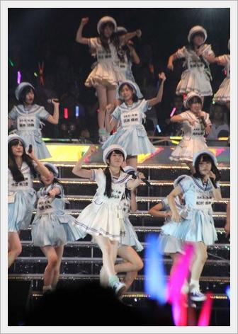 AKB48 그룹 연구생 103명이 첫 단독 공연. 무도관 1만 1,..