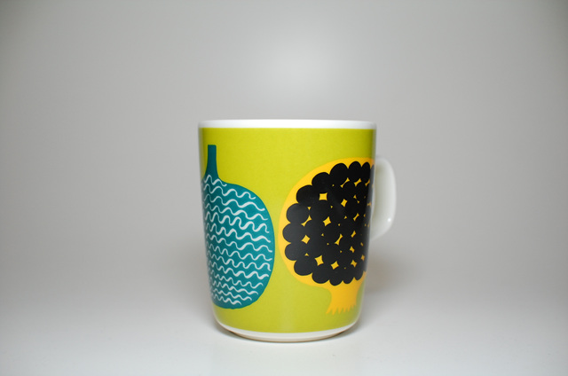 마리메꼬 컵과 스카프