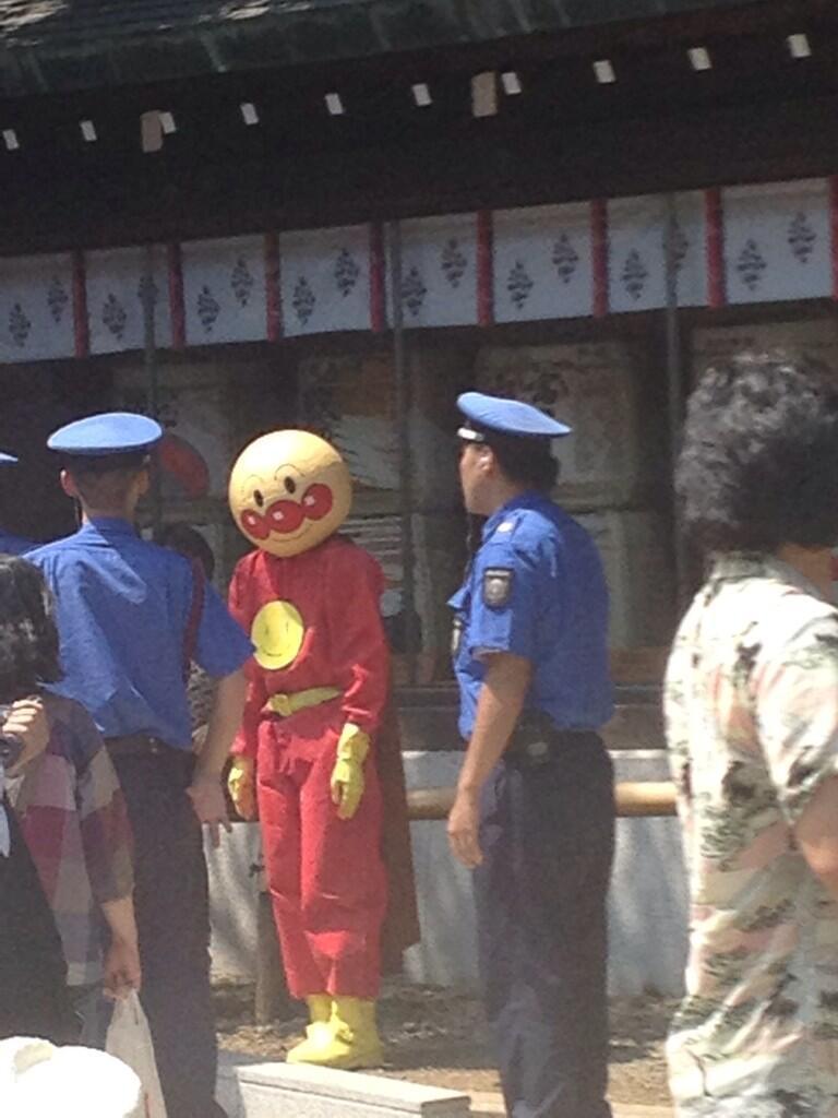 8월 15일에 목격된 호빵맨 코스프레 사진?