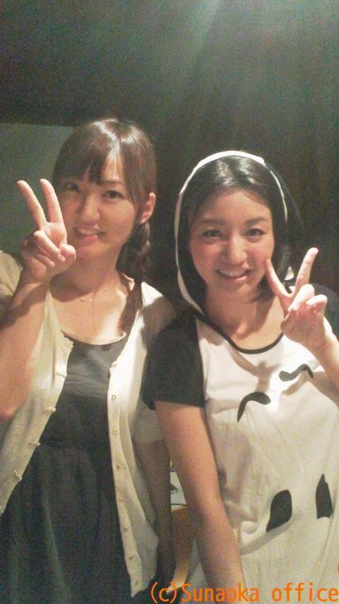 성우 아스미 카나씨의 사진이 참 귀엽네요.