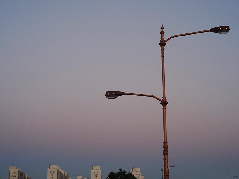 해질 무렵 하늘 봐