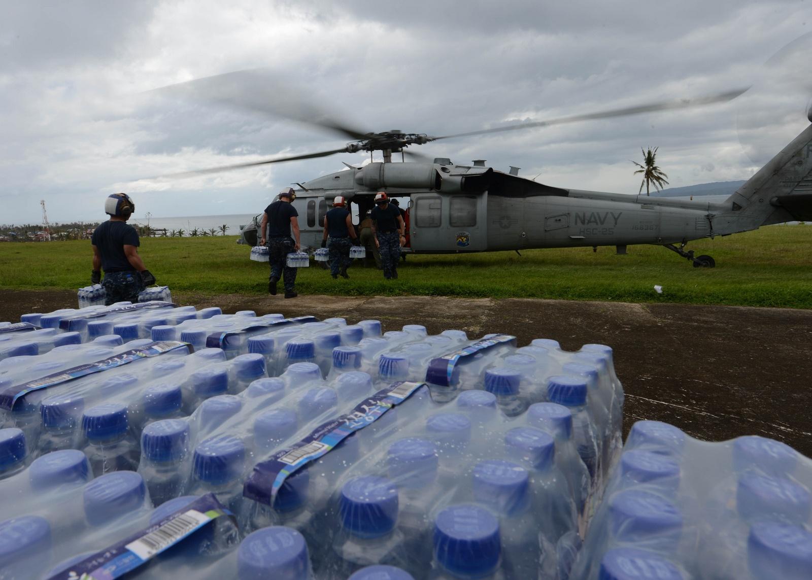 태풍 피해로 군사협정의 체결이 필요해진 필리핀과..