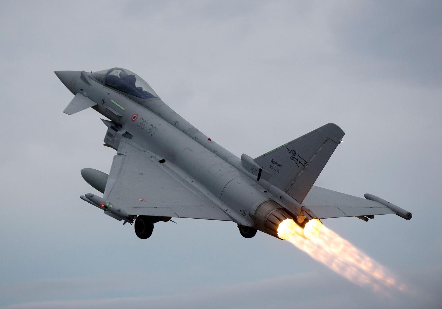 타이푼 전투기의 도입협상에서 발을 뺀 UAE