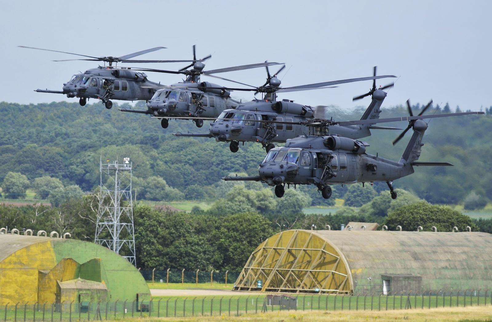 영국에서 추락한 미 공군의 HH-60G 구조헬기