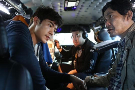 """김강우의 신작, """"찌라시"""" 입니다."""