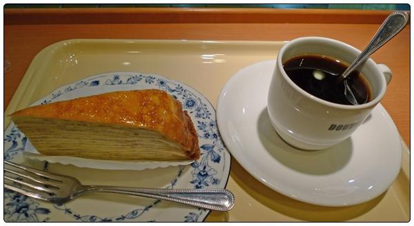 지친 오후에 즐기는 일본 도토루 커피 샵의 Mille Cr..