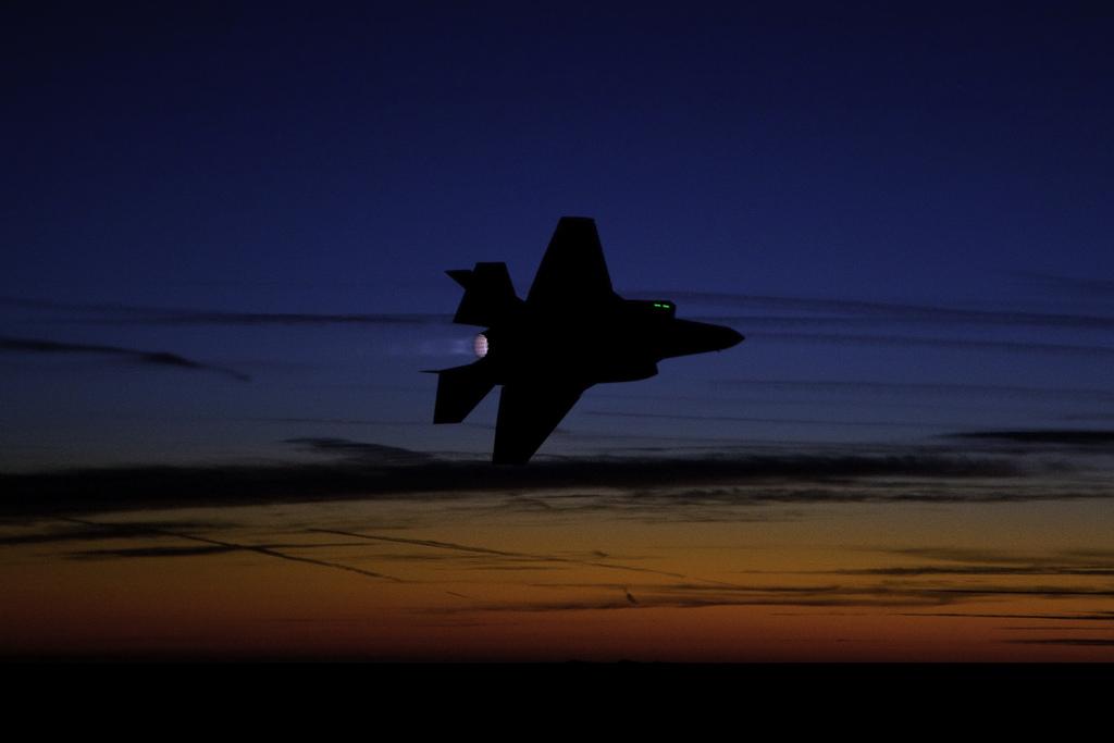 캐나다와 F-35 파트 3 - 조달 제안