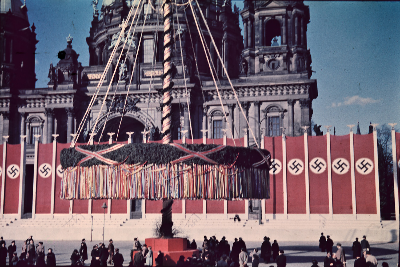 컬러로 보는 1937년 노동절의 베를린