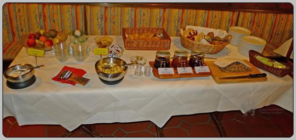 2014년 4월 독일 호텔에서의 아침 식사