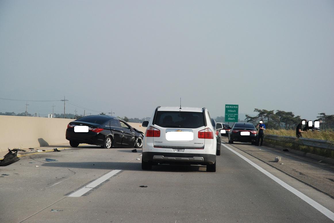오늘 서해안고속도로 부안휴게소 부근 교통사고
