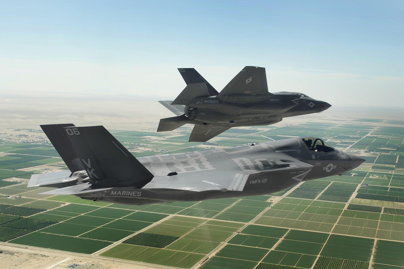 엔진 문제로 잠시 비행 중지되었던 F-35 전투기