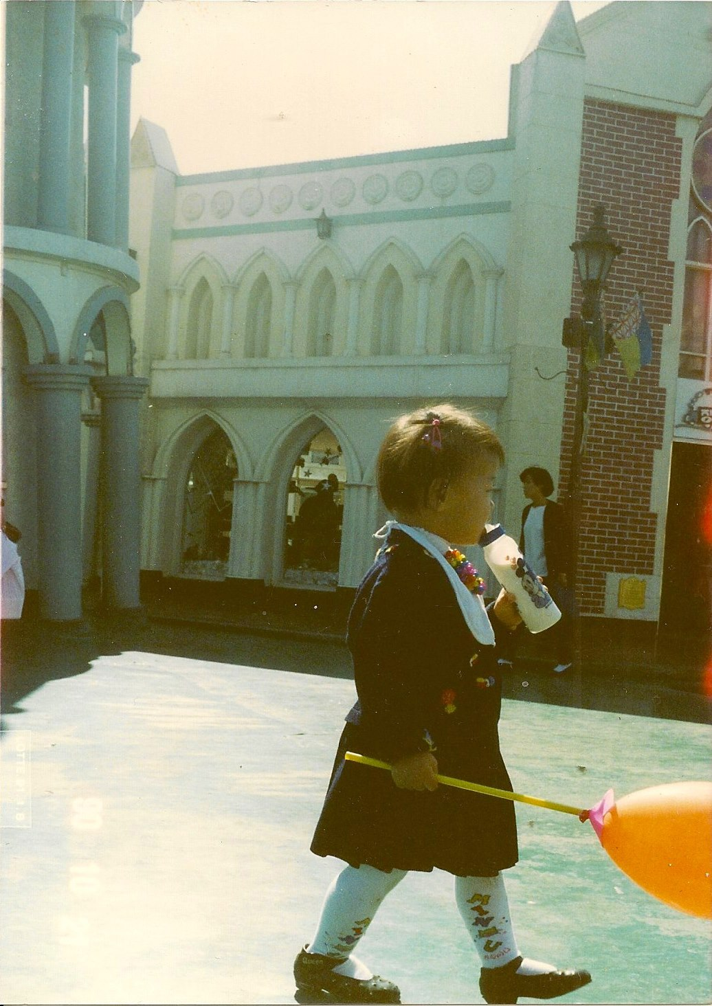 이글루스200제_008. 아이: 의식(儀式)을 치루는 소녀