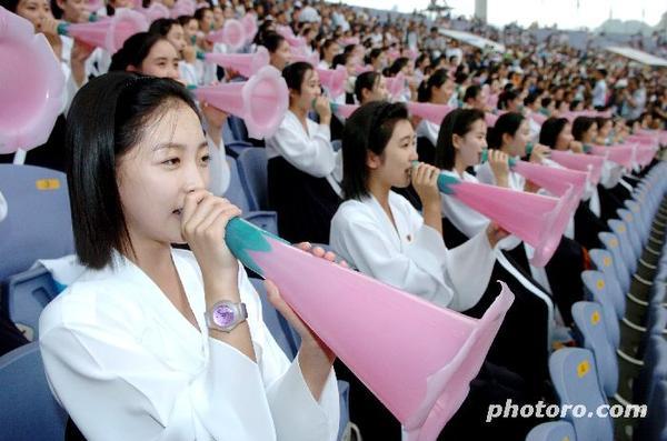 북한에서 또 응원단이 오는가 봅니다.