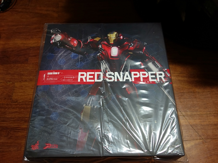 HOTTOYS IRON MAN MK35 RED SNAPPER