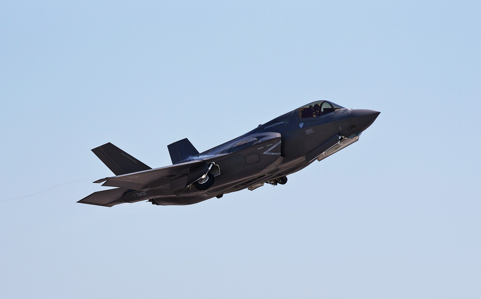영국조종사가 사용하는 영국용 F-35B Lightning II..