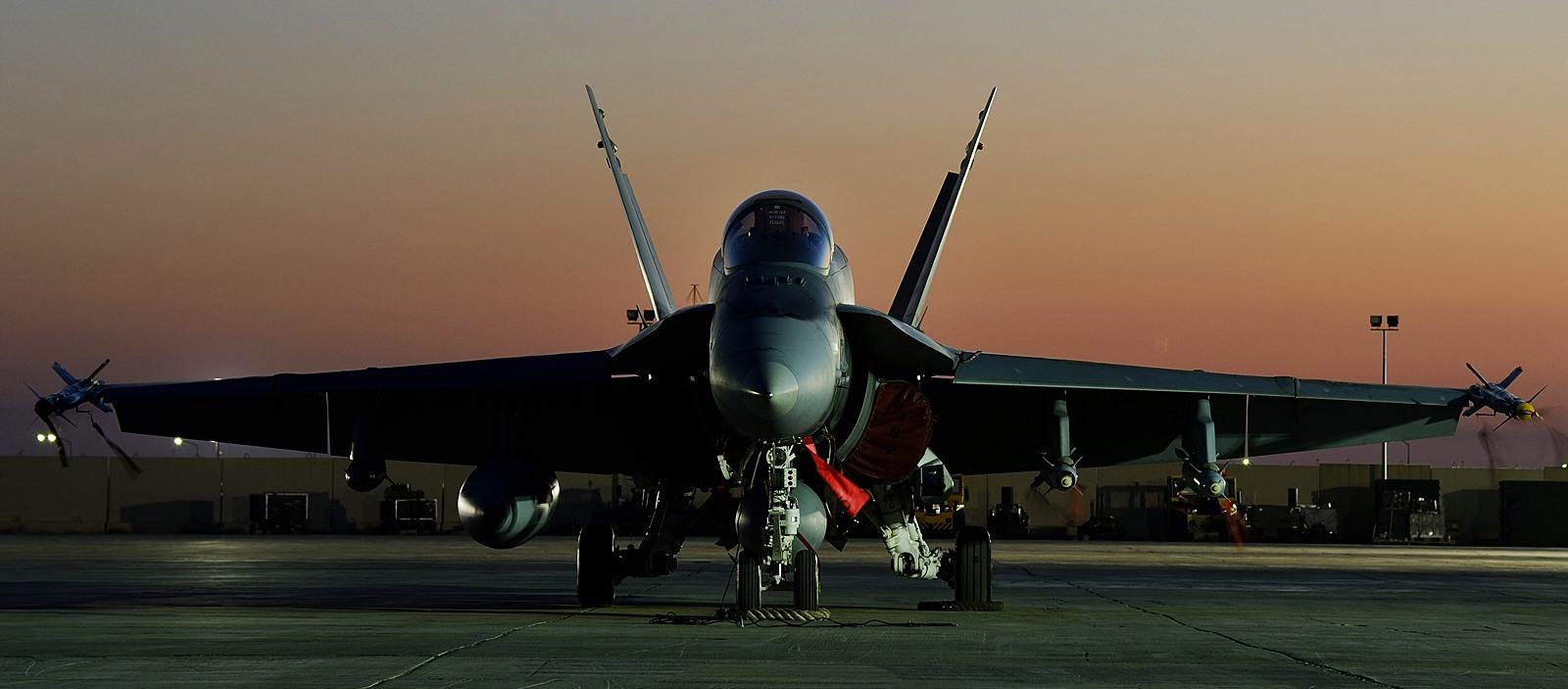 ISIL 격퇴 Impact 작전 수행하는 캐나다공군 CF-1..