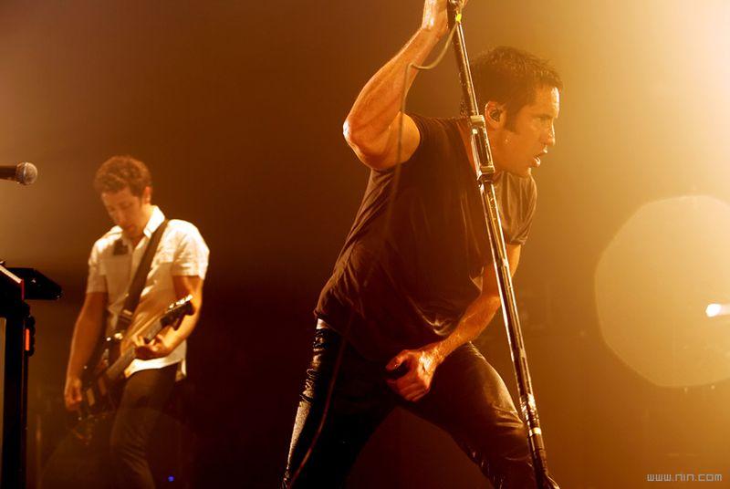 Nine Inch Nails, 토렌트에 527GB 짜리 콘서트 ..