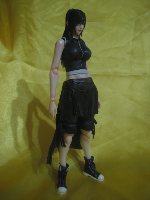Play Arts KAI - Tifa Lockhart (Final Fantasy..