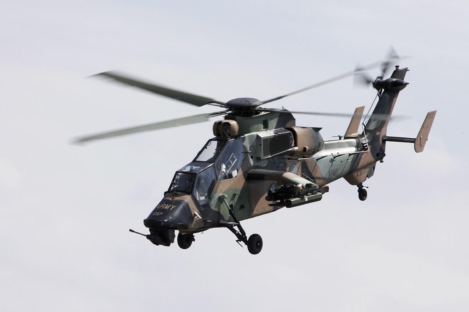 호주국제 에어쇼에서 Tiger 무장정찰헬기 시범비행