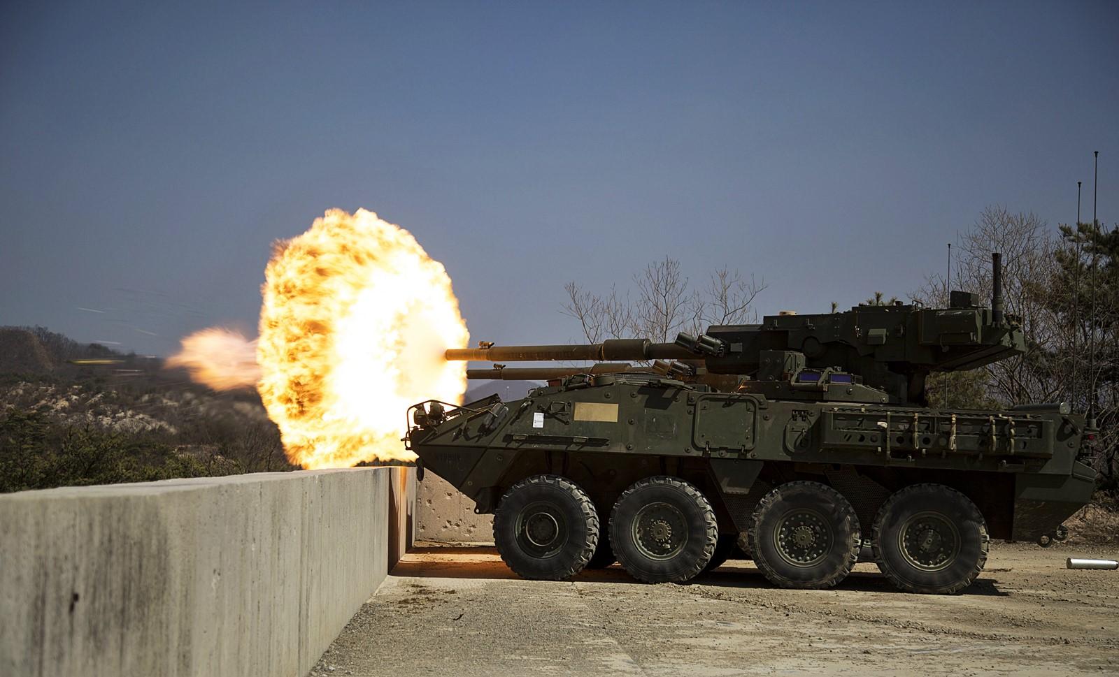 Foal Eagle 2015 훈련중 사격하는 미육군  Stryker..