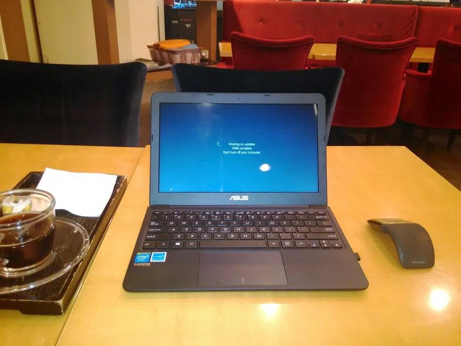 199달러 초경량 노트북, 에이수스 X205TA (ASUS ..