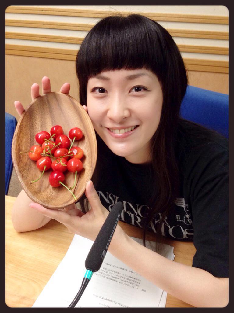 성우 우에다 카나씨의 사진, 만 35세 생일 축하를 조금..