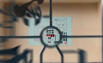 RG 건담 아스트레이 레드 프레임 프로모션 비디오의 런너 이미지