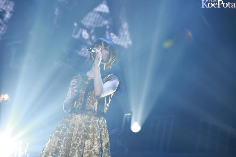 성우 하나자와 카나씨의 무도관 라이브 공연, MUSI..