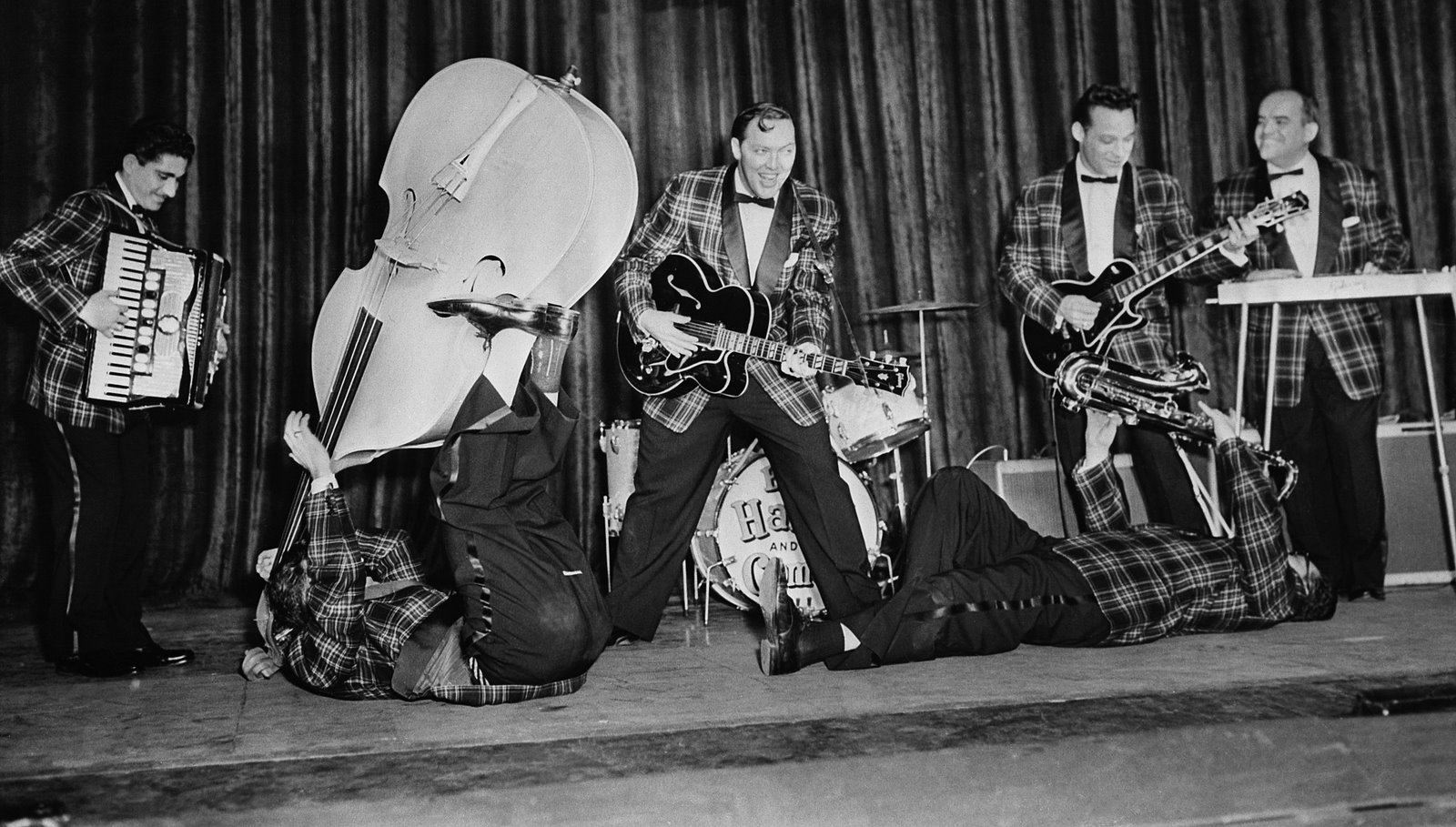 Bill Haley & His Comets- Rock Around The ..