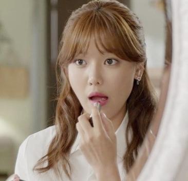 나스 립스틱 바르는 연예인,아이돌^^
