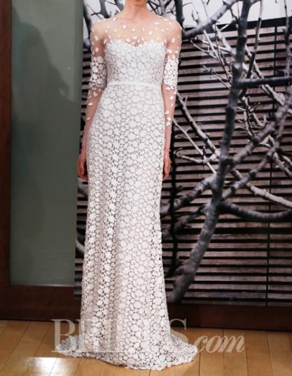 2cca4c3a0a8 평상시 미모가 너무 아름다워 결혼식이라고 해서 딱히 와~~ 하는 그런건 없었지만 본판이 너무 미녀니까.. 드레스에 어울어진 헤어밴드가  참 예쁘다.