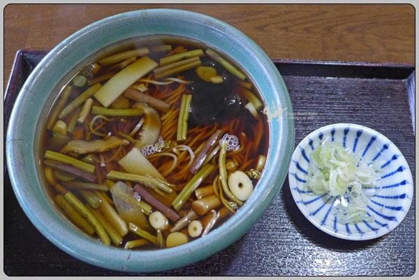 하코네 둘째 날 점심 식사는 야채 소바 와 곤약
