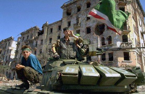자존심을 짓밟은 상징 - T-72B(M) 노획되다