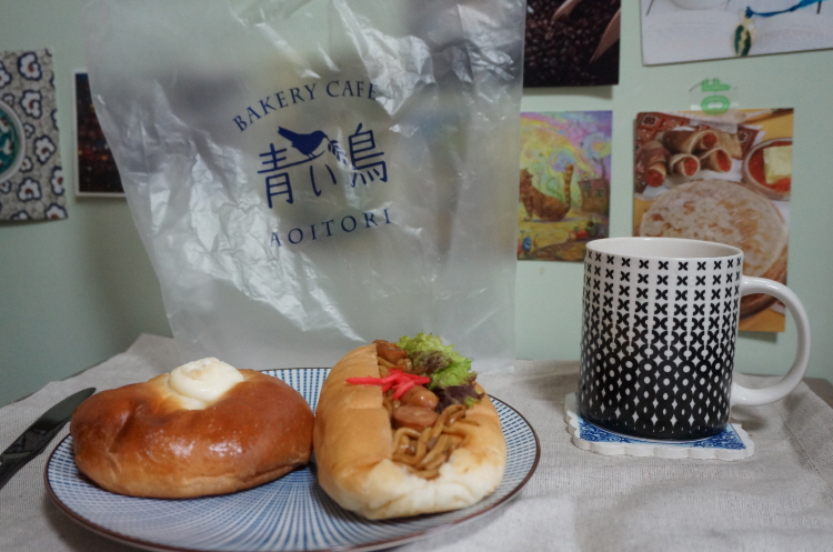 홍대빵집 아오이토리 야키소바빵, 마요에그빵