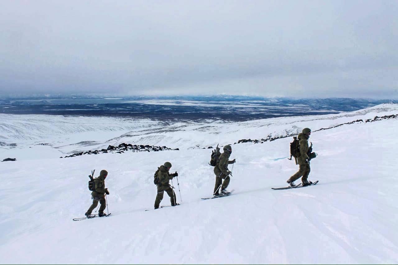 동부군관구 특수부대원들 - 캄차카 등산