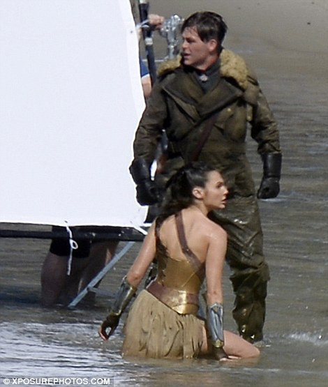 """Wonder Woman"" 촬영장 사진입니다."