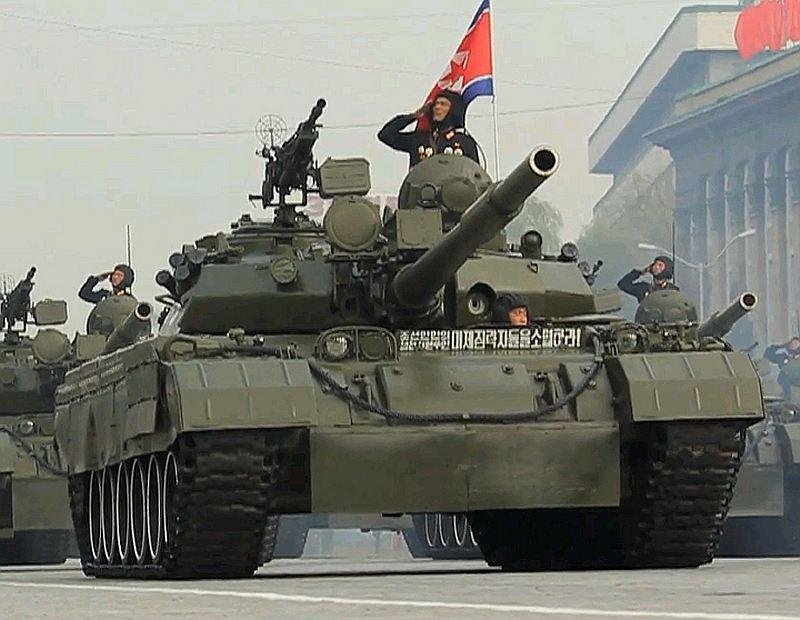 북한군 차량 위장 도색