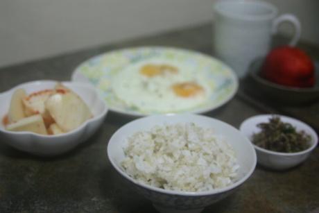 달걀후라이와 멸치볶음, 어느 저녁상
