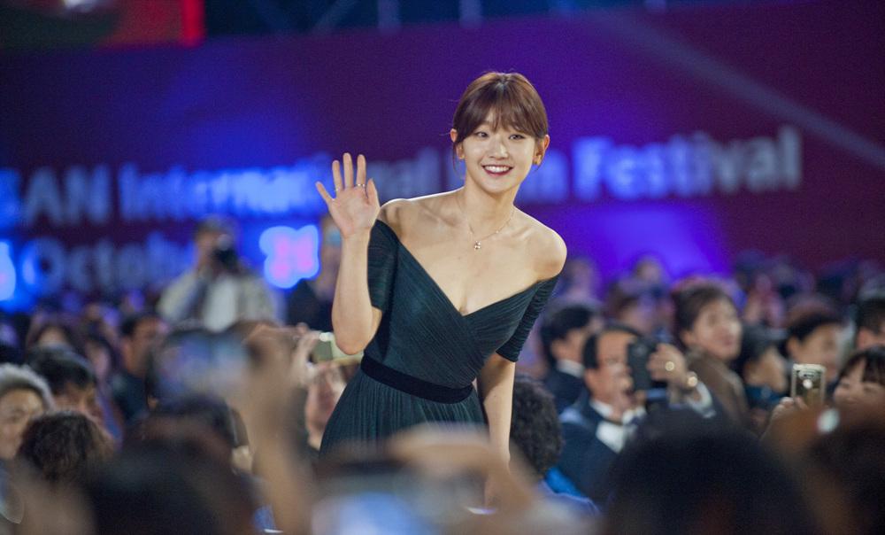 관객석에서 촬영한 2016년 부산국제영화제 레드카펫