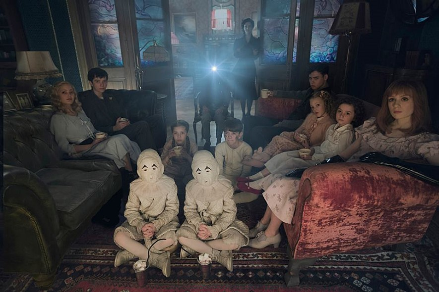 [미스 페레그린과 이상한 아이들의 집] 서프라이즈!