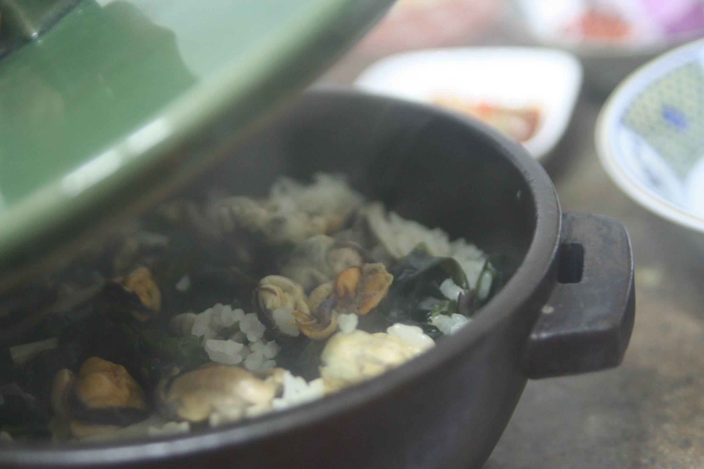 홍합미역밥, 지금은 홍합을 먹어야 할 때